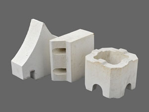 Preparation of refractory brick of water consumption